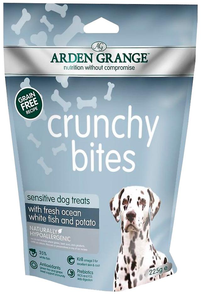 Лакомство Arden Grange Crunchy Bites Sensitive для собак при аллергии с рыбой и картофелем (225 гр)